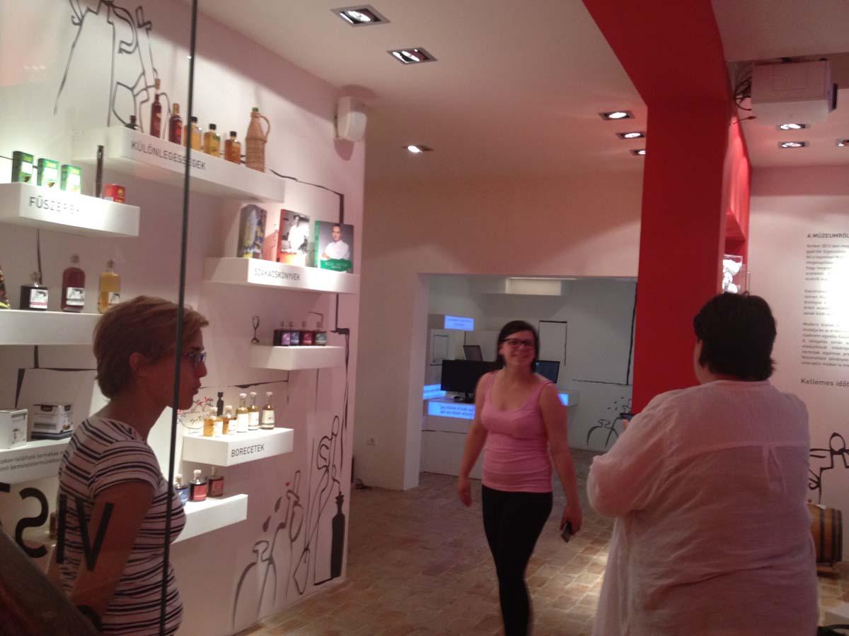 8.vinegar-museumIMG_5777